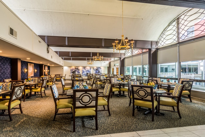summit-of-uptown-park-ridge-dining-area-2