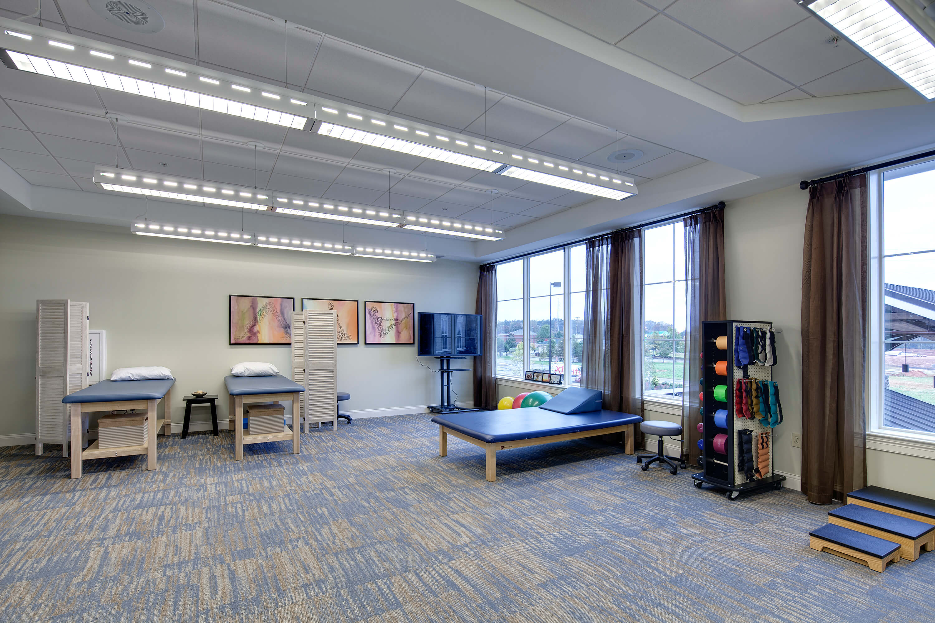 arbor-terrace-of-johns-creek-fitness-and-therapy-rooms