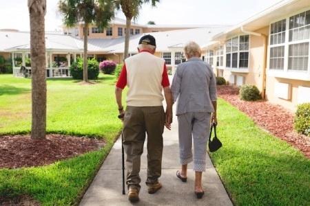 arbor-terrace-senior-living-amenities-beautiful-environment