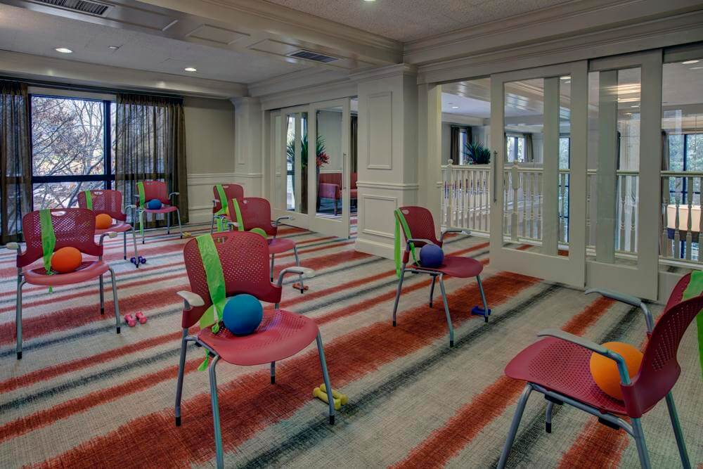 renaissance-on-peachtree-fitness-and-therapy-rooms