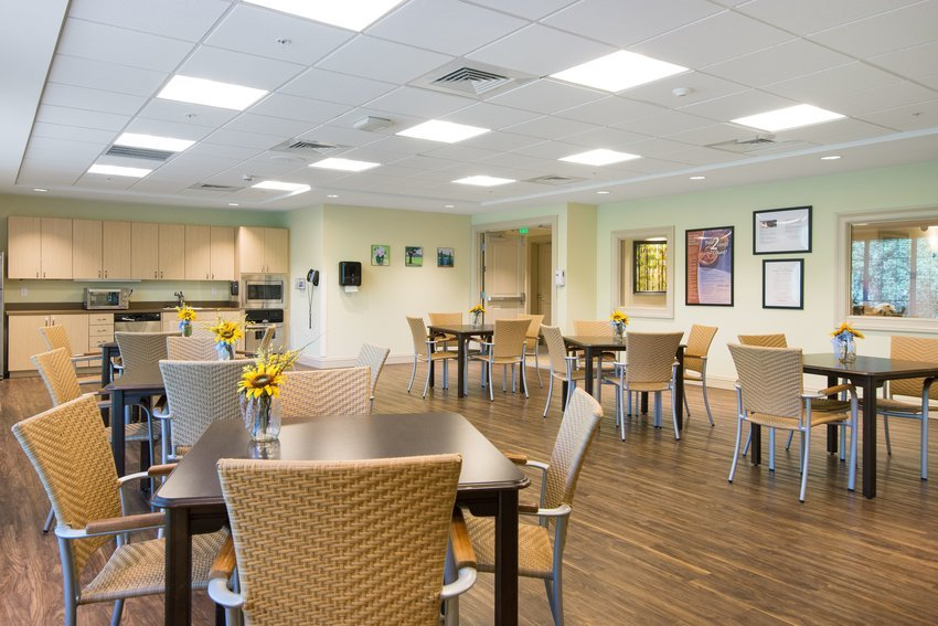 assisted_living_tampa_fl_activityarea_2-min.jpg